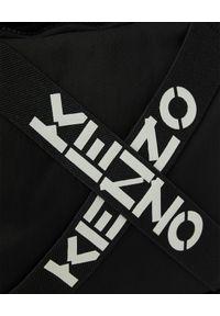 Kenzo - KENZO - Czarny plecak z logo. Kolor: czarny. Materiał: tkanina, materiał. Wzór: aplikacja. Styl: klasyczny, sportowy, casual