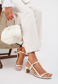 Białe sandały Renee