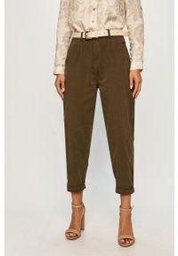 ANSWEAR - Answear - Jeansy Answear Lab. Kolor: zielony. Styl: wakacyjny