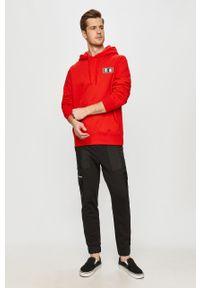 Czerwona bluza nierozpinana Element z motywem z bajki, z kapturem