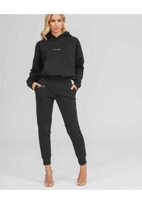 SELF LOVE - Czarna bluza z logo marki. Typ kołnierza: kaptur. Kolor: czarny. Materiał: bawełna, jeans. Długość rękawa: długi rękaw. Długość: długie. Wzór: nadruk, aplikacja. Styl: klasyczny, elegancki