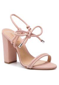 Różowe sandały Schutz na średnim obcasie, na obcasie