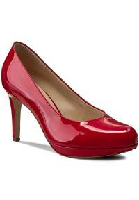 Szpilki HÖGL - 0-128004 Red 4000. Kolor: czerwony. Materiał: lakier, skóra. Szerokość cholewki: normalna. Obcas: na szpilce. Styl: elegancki. Wysokość obcasa: wysoki, średni