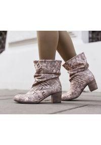 Różowe botki Zapato biznesowe, do pracy, z okrągłym noskiem
