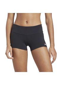 Reebok Chase Solid Booty Shorts > GJ5671. Materiał: nylon, materiał, elastan. Długość: krótkie. Sport: fitness