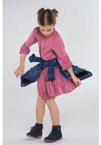 Różowa sukienka Mayoral z okrągłym kołnierzem, mini