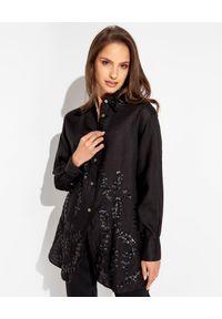 MALIPARMI - Czarna koszula z cekinami. Kolor: czarny. Materiał: len, materiał. Długość: długie. Wzór: aplikacja. Styl: wakacyjny, klasyczny