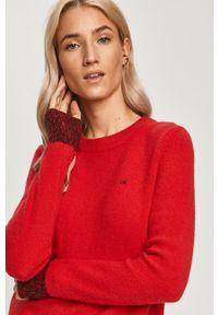 Czerwony sweter Calvin Klein casualowy, z długim rękawem