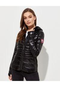 CANADA GOOSE - Czarna kurtka z kapturem Hybridge. Okazja: na co dzień. Typ kołnierza: kaptur. Kolor: czarny. Materiał: jeans, puch, tkanina. Wzór: aplikacja. Sezon: wiosna. Styl: sportowy, casual