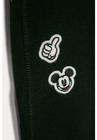 Czarne spodnie dresowe GAP z aplikacjami
