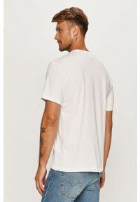 Biały t-shirt adidas Originals z nadrukiem, na co dzień, casualowy