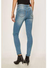 Niebieskie jeansy Noisy may w kolorowe wzory #4