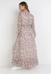 Born2be - Biała Sukienka Emmi. Typ kołnierza: kokarda, kołnierz z falbankami. Kolor: biały. Długość rękawa: długi rękaw. Wzór: kwiaty, aplikacja. Typ sukienki: kopertowe. Długość: maxi