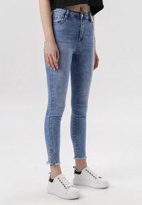 Niebieskie jeansy Born2be z podwyższonym stanem