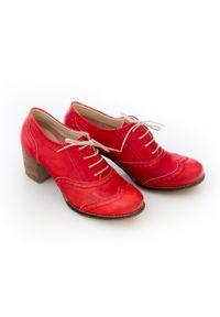 Zapato - sznurowane półbuty na 6 cm słupku - skóra naturalna - model 251 - kolor czerwony retro. Kolor: czerwony. Materiał: skóra. Obcas: na słupku. Styl: retro