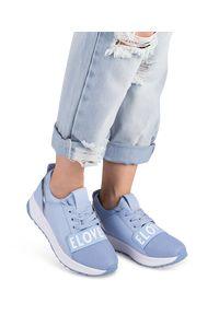 Ideal Shoes - Buty sport damskie IdealShoes X-9703 Niebieskie. Kolor: niebieski. Materiał: tworzywo sztuczne, materiał. Obcas: na obcasie. Wysokość obcasa: niski. Sport: turystyka piesza