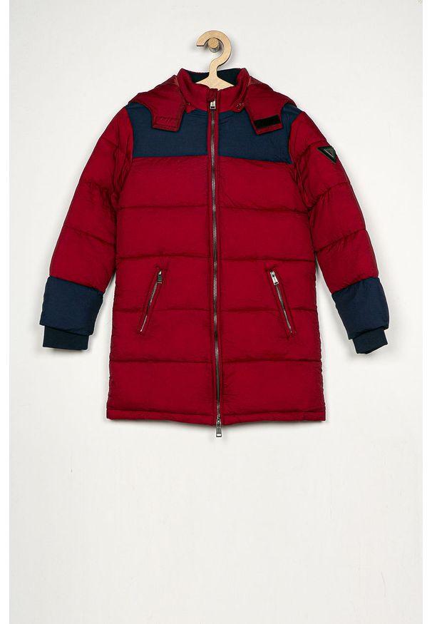 Czerwona kurtka Guess Jeans z kapturem, na co dzień