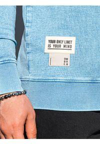 Ombre Clothing - Bluza męska bez kaptura bawełniana B1173 - błękitna - XXL. Typ kołnierza: bez kaptura. Kolor: niebieski. Materiał: bawełna. Wzór: aplikacja. Styl: klasyczny
