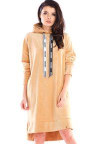 Awama - Luźna Welurowa Sukienka z Logowaną Taśmą - Beżowa. Kolor: beżowy. Materiał: welur