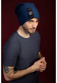 Niebieska czapka Hultaj Polski klasyczna, w kolorowe wzory