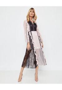 SELF PORTRAIT - Kontrastowa sukienka z koronką. Okazja: na imprezę. Kolor: czarny. Materiał: koronka. Długość rękawa: długi rękaw. Wzór: koronka. Długość: midi