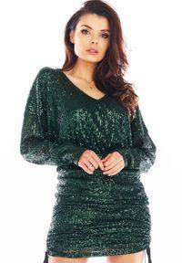 Awama - Cekinowa Sukienka Kimonowa z Marszczonym Dołem - Zielona. Kolor: zielony. Materiał: poliester