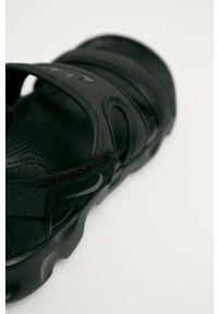Nike Sportswear - Sandały Owaysis. Kolor: czarny. Materiał: materiał. Wzór: gładki