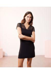 Czarna koszula nocna Etam krótka, w koronkowe wzory