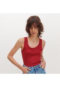 Reserved - Top z bawełny organicznej - Bordowy. Kolor: czerwony. Materiał: bawełna