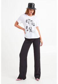 T-shirt Emporio Armani na co dzień, casualowy