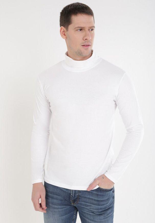 Born2be - Biała Golf Ateronis. Okazja: na co dzień. Typ kołnierza: golf. Kolor: biały. Materiał: bawełna. Długość rękawa: długi rękaw. Długość: długie. Wzór: jednolity, gładki. Styl: elegancki, casual