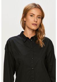 Czarna koszula Jacqueline de Yong z klasycznym kołnierzykiem, casualowa, na co dzień, z długim rękawem