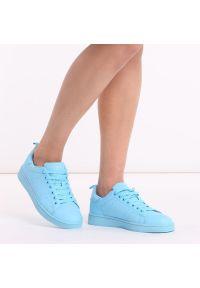 vices - Niebieskie sportowe buty damskie VICES Q35-11. Kolor: niebieski. Materiał: skóra