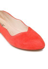 Caprice - Baleriny CAPRICE - 9-24201-26 Coral Suede 514. Okazja: na spacer. Kolor: czerwony. Materiał: zamsz. Szerokość cholewki: normalna. Sezon: lato
