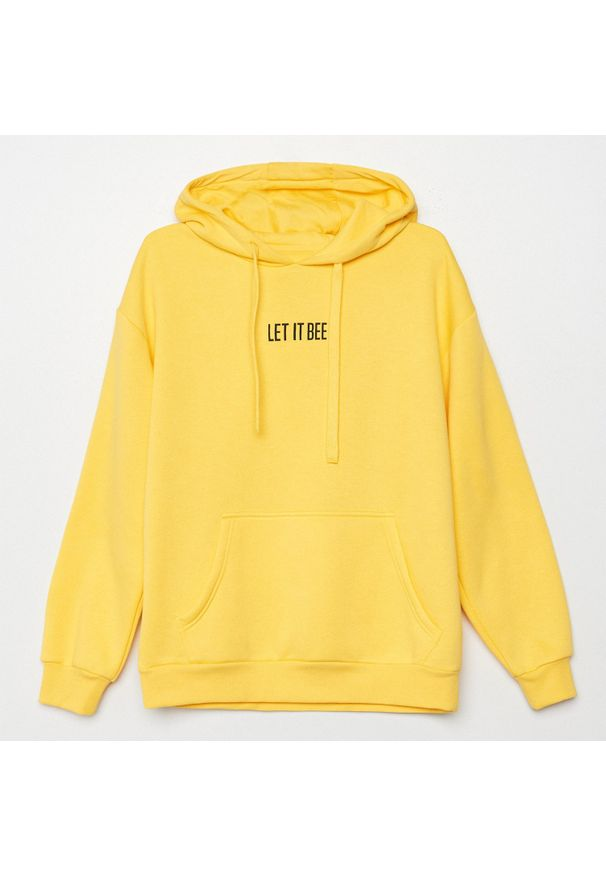 Cropp - Bluza z kapturem i napisem - Żółty. Typ kołnierza: kaptur. Kolor: żółty. Wzór: napisy