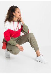 Bluza z kapturem bonprix oliwkowo-czerwono-biel wełny. Typ kołnierza: kaptur. Kolor: zielony. Materiał: wełna