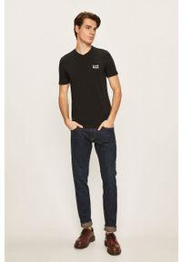 Czarny t-shirt EA7 Emporio Armani na co dzień, casualowy
