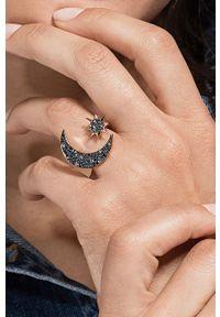 Złoty pierścionek Swarovski metalowy, z kryształem