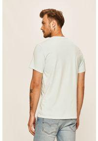 Niebieski t-shirt Levi's® na co dzień, biznesowy