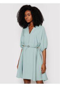 Imperial Sukienka codzienna ABQCBGI Zielony Regular Fit. Okazja: na co dzień. Kolor: zielony. Typ sukienki: proste. Styl: casual