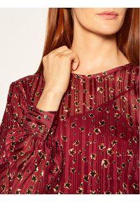 iBlues Sukienka koktajlowa Nitrite 72262706 Bordowy Oversize. Kolor: czerwony. Typ sukienki: oversize. Styl: wizytowy #3