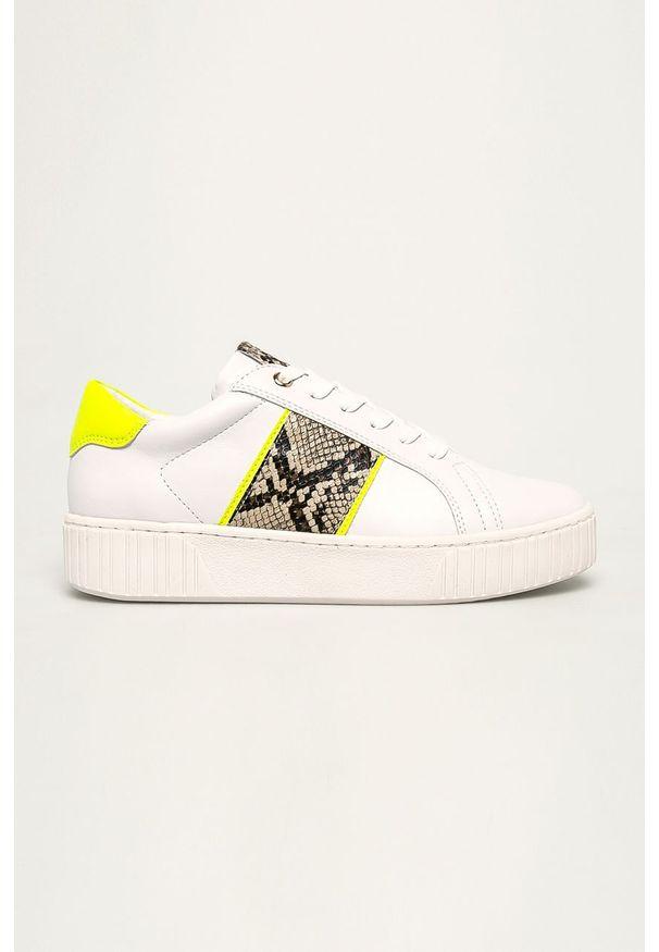 Białe buty sportowe Marco Tozzi z cholewką, z okrągłym noskiem, na sznurówki