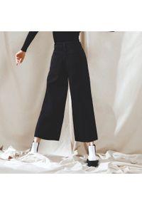 Czarne jeansy Cropp z podwyższonym stanem