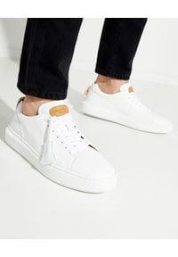 BUSCEMI - Skórzane sneakersy. Kolor: biały. Materiał: skóra. Szerokość cholewki: normalna. Wzór: aplikacja