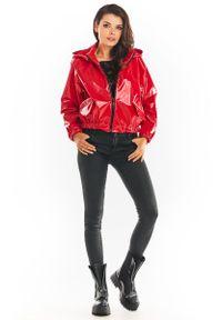 Czerwona kurtka Awama z kapturem, krótka