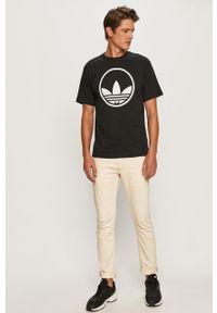 Czarny t-shirt adidas Originals z okrągłym kołnierzem, casualowy, na co dzień