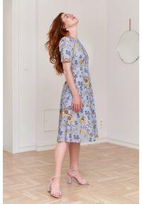 Marie Zélie - Sukienka Aerin Lutaria. Materiał: bawełna, skóra, materiał. Typ sukienki: trapezowe