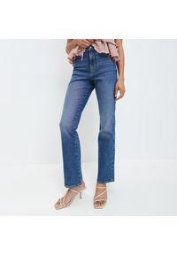Mohito - Jeansy bootcut - Niebieski. Kolor: niebieski. Materiał: jeans