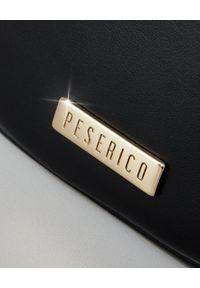 PESERICO - Czarna torebka z aplikacją. Kolor: brązowy. Wzór: aplikacja. Sezon: jesień, zima. Dodatki: z aplikacjami. Materiał: futrzane. Rodzaj torebki: na ramię