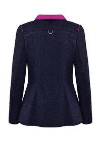 CATERINA - Granatowa kurtka z kontrastowymi wstawkami. Kolor: niebieski. Materiał: tkanina. Wzór: haft